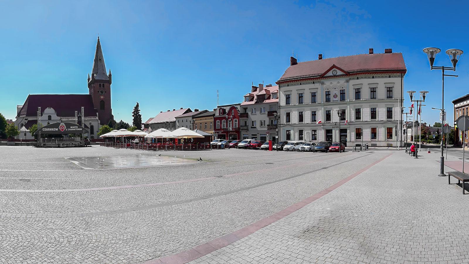 Fragment panoramy Placu Wolności w Czarnkowie. Fot. Marcin Maziarz