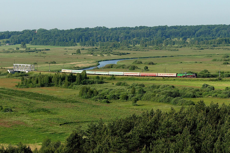 Pociąg Pirat w okolicy Dziembówka. Fot. Piotr Chamczyk