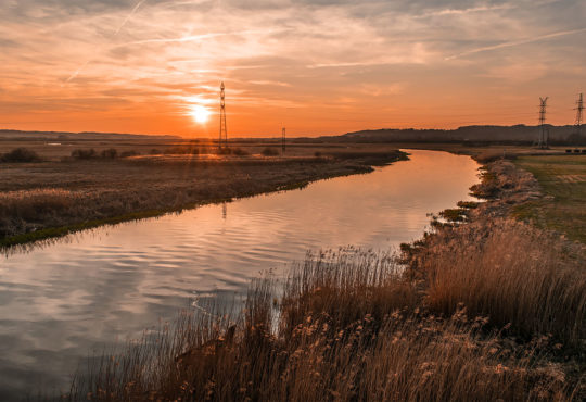 Widok na Noteć o zachodzie słońca z mostu między Krzewiną i Milczem. Fot. Marcin Maziarz