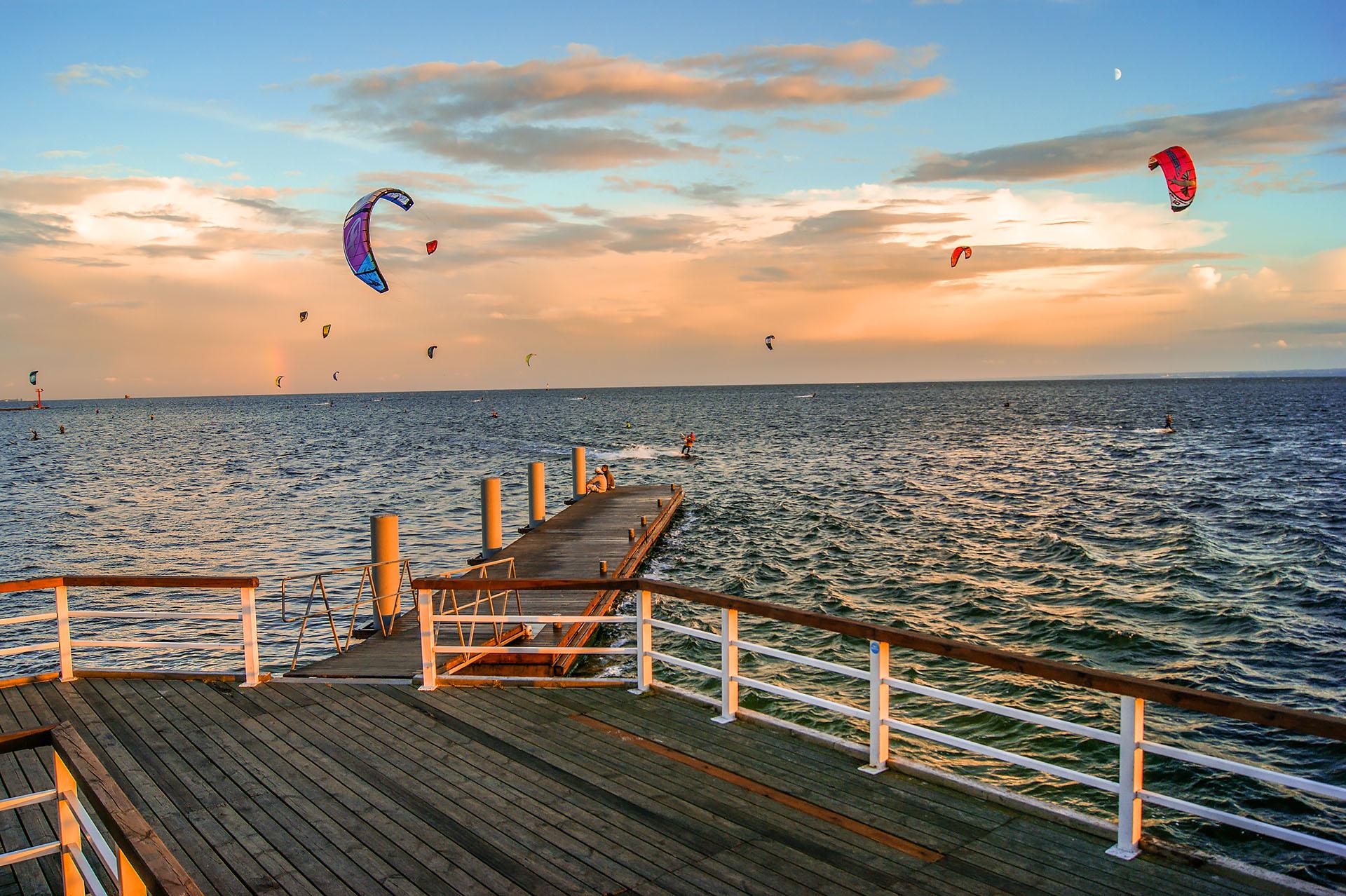 Kitesurfing w Jastarni. Fot. Marcin Maziarz