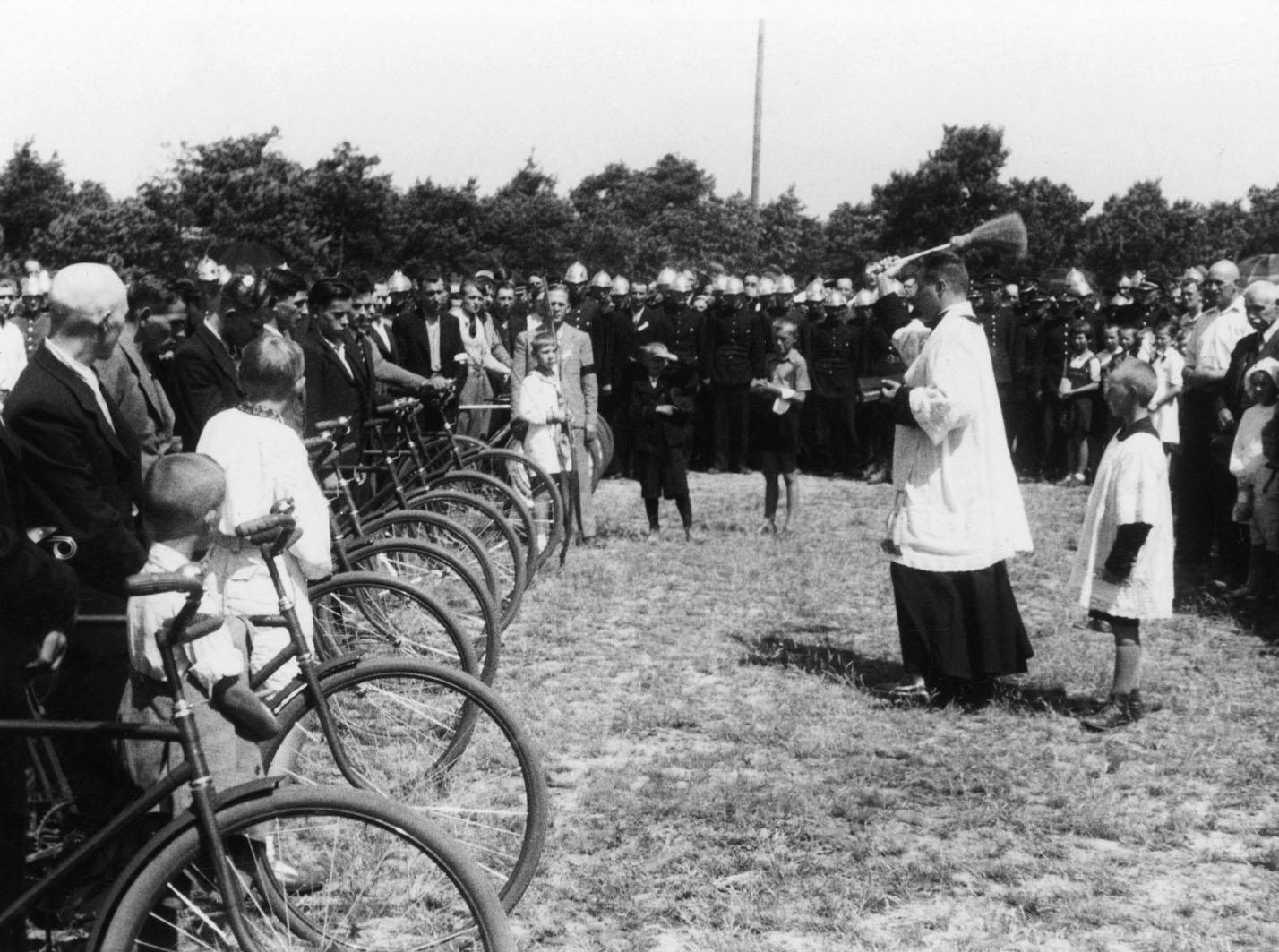 Poświęcenie rowerów dla wojska