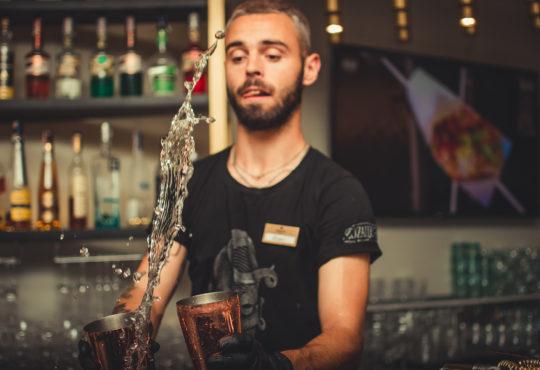 Szukasz pracownika nie tylko w gastro? Przyślij ofertę - publikacja jest bezpłatna. Fot. Andriyko Podilnyk/Unsplash