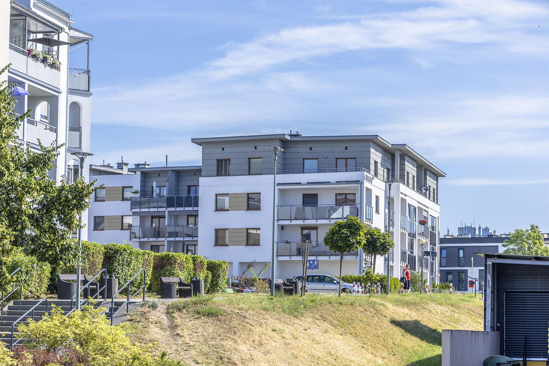 Nowa zabudowa mieszkaniowa na Górnym jest wkomponowywana w zastany układ urbanistyczny. Fot. Marcin Maziarz