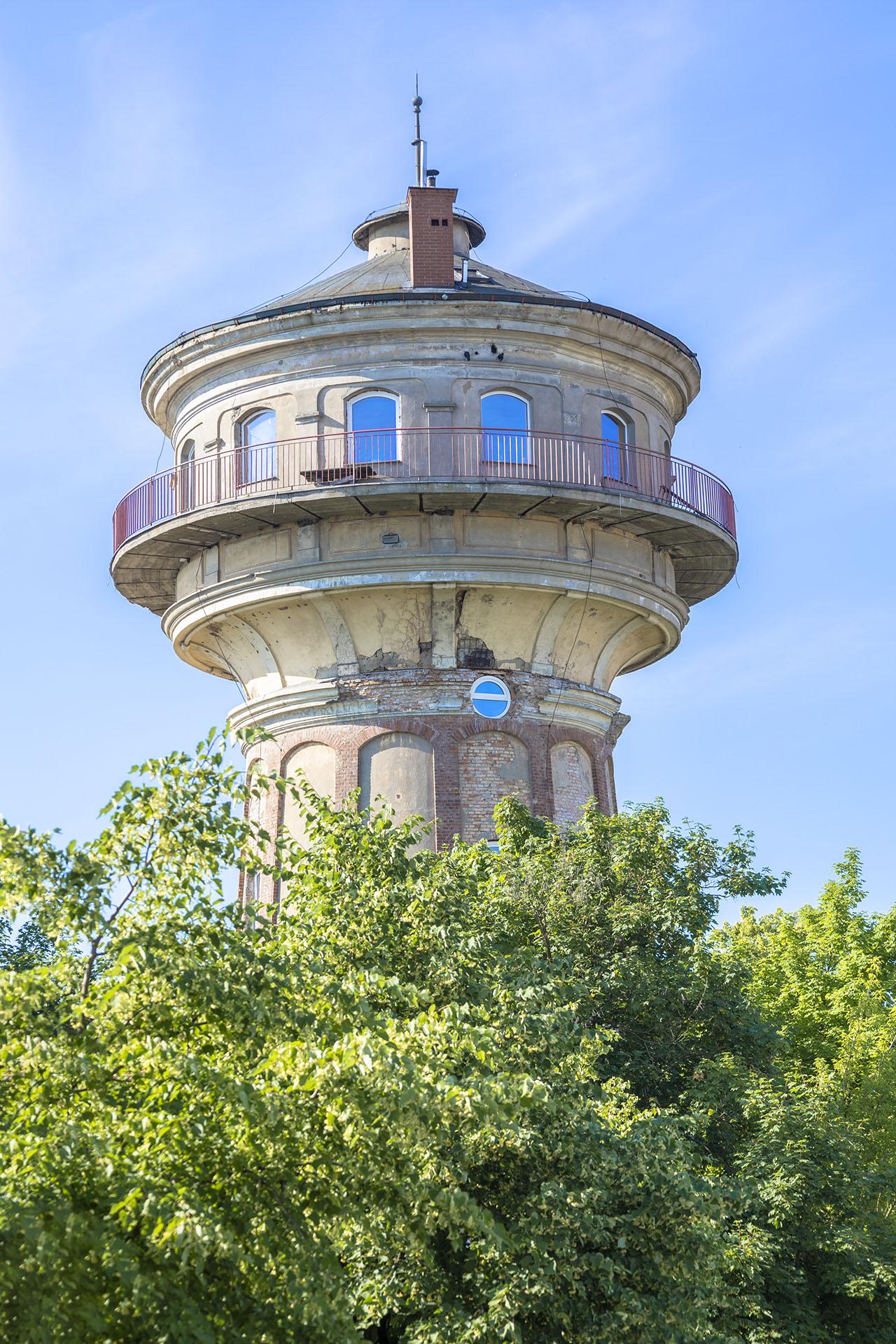 Wieża ciśnień przy Lotniczej została przekształcona w dom. Fot. Marcin Maziarz