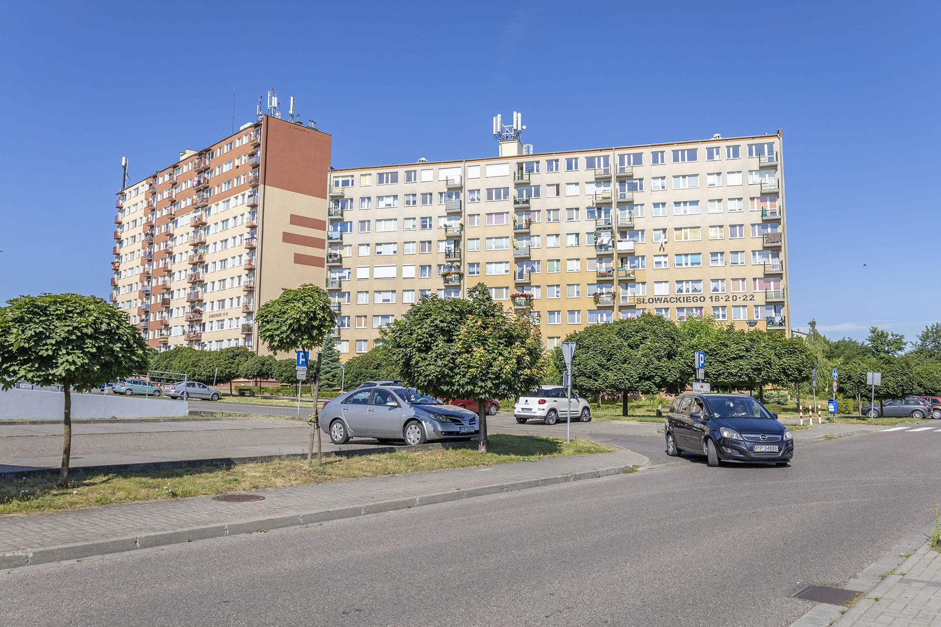 Wieżowce przy ulicy Słowackiego. Fot. Marcin Maziarz