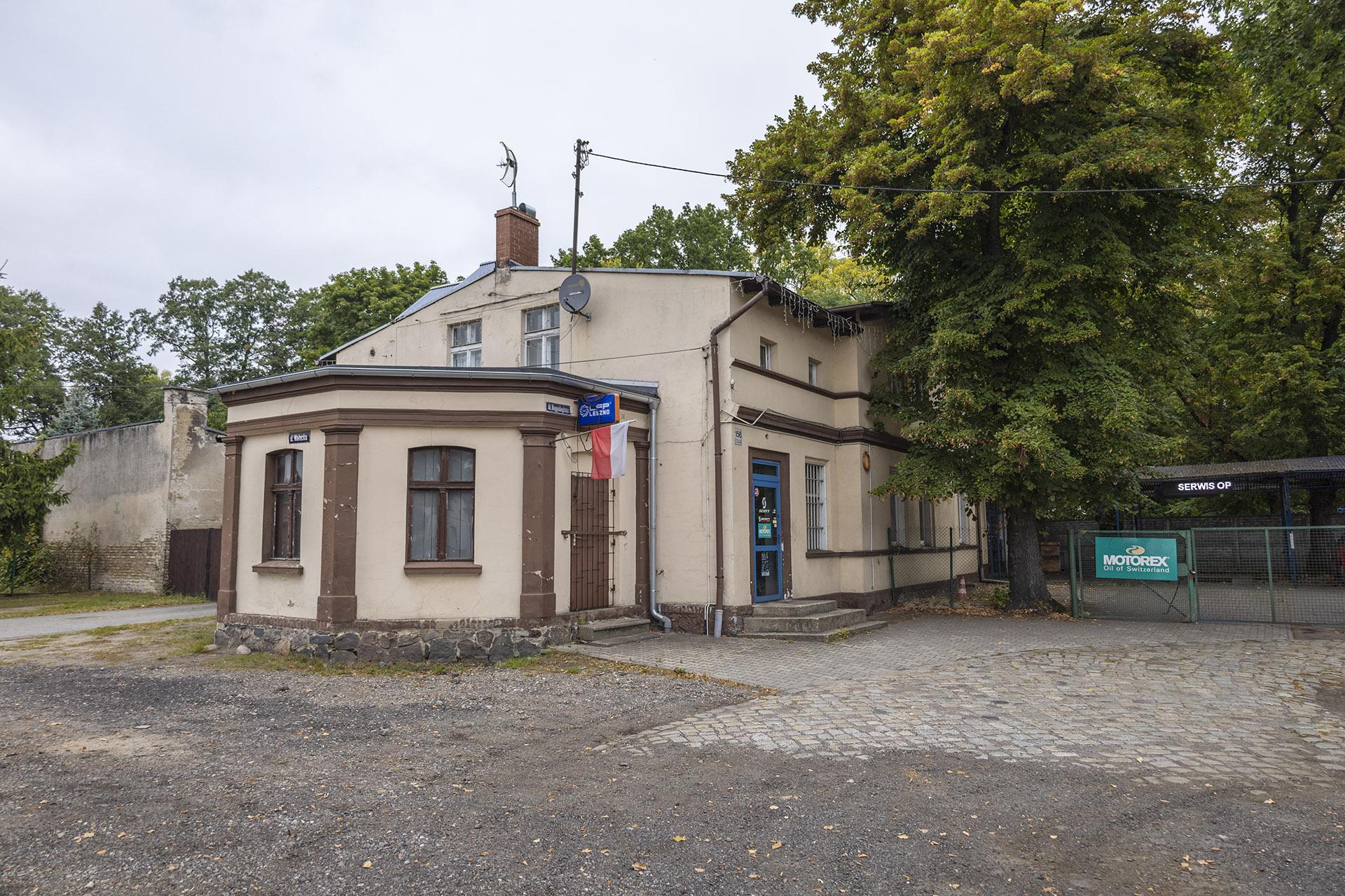 Dawna karczma Pod Zielonym Wieńcem przy skrzyżowaniu Alei Niepodległości i ulicy Wałeckiej. Fot. Marcin Maziarz